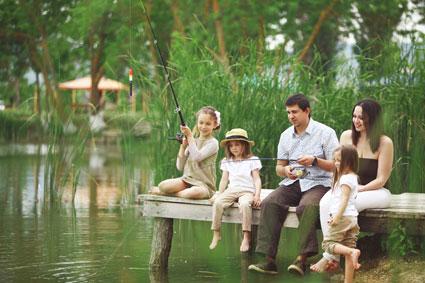 family-fishing.jpg