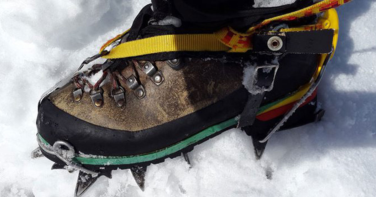shoe with hiking crampon