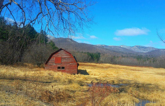 old red barn outside of keene