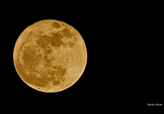Golden supermoon