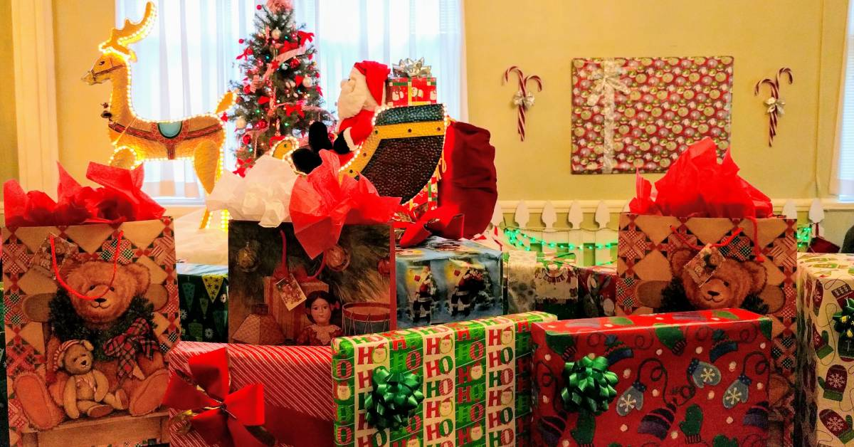 10 Gift Exchange Ideas For Your Holiday Party Or Celebration