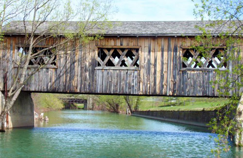 kissing bridge in ticonderoga