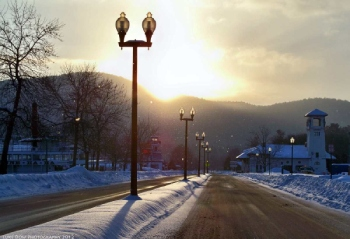 steamboats along a snowy street in lake george