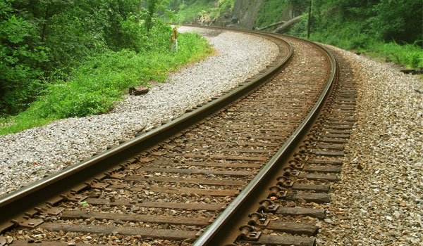 railroad-tracks-countryside