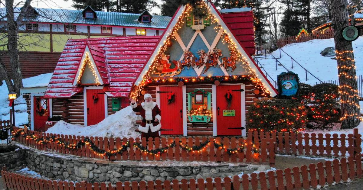 Christmas Ny 2019.Visit Santa In North Pole Ny For 2019 Yuletide Family Weekends