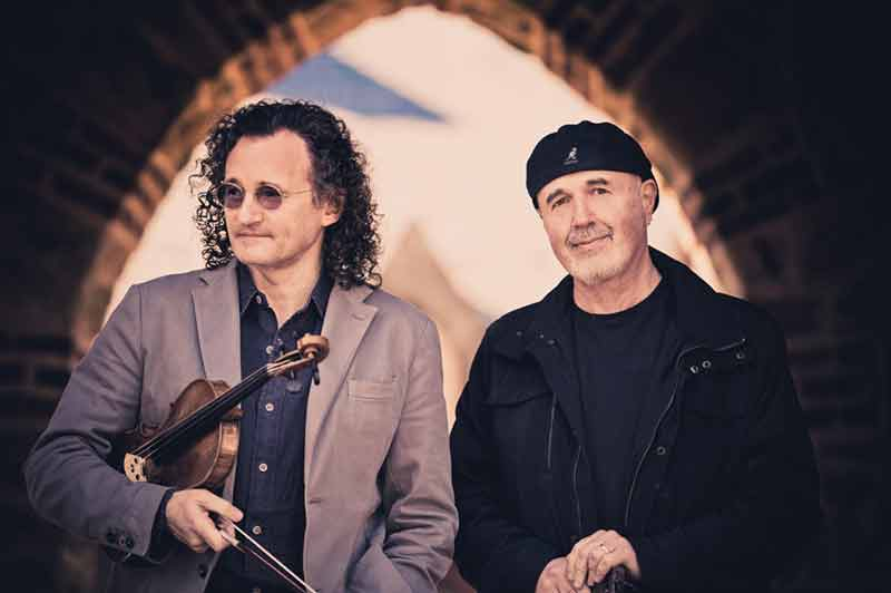 Traditional Irish musicians, Martin Hayes & Dennis Cahill