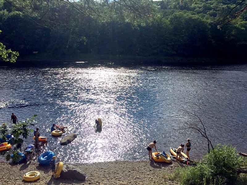 Tubers preparing to float down Stony Creek