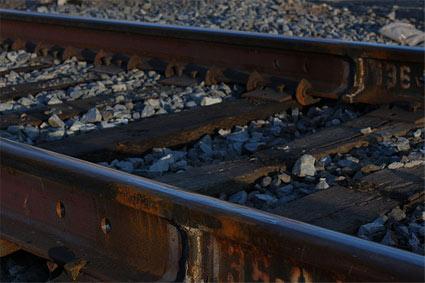 railroad-tracks.jpg