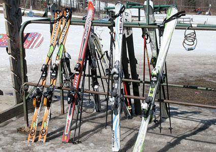 skis-west-mountain.jpg