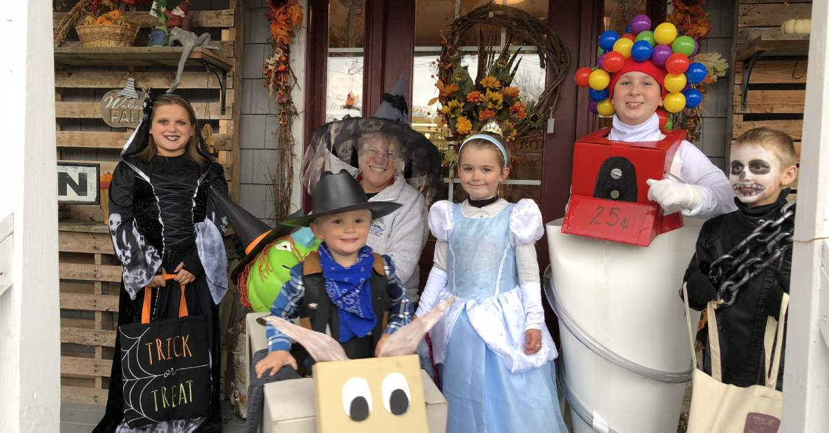 kids trick-or-treating in costume