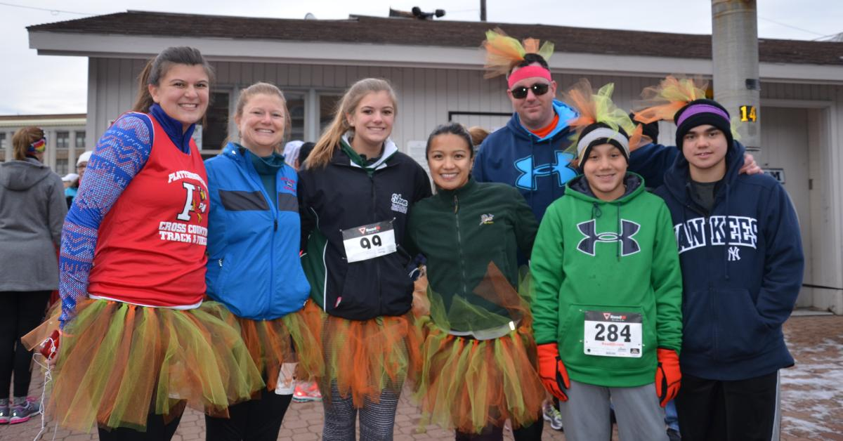 participants at the adirondack health turkey trot