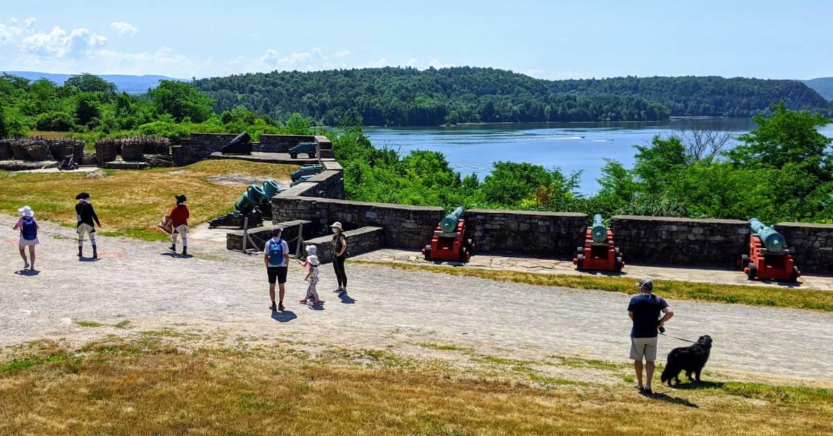 people at fort Ticonderoga