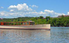 Carillon boat